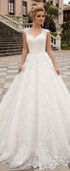 Nice 47 Gorgeous V Neck Tulle Wedding Dress Ideas 2018. More at aksahinjewelry.co... -> SALE bis 70% auf Fashion -> klicken