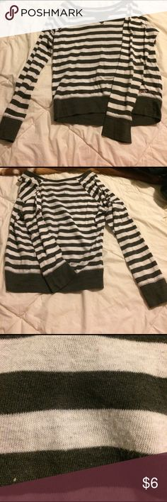 Long sleeve shirt A long sleeve shirt with white and gray strips. It is a little worn out but is still good to wear (see picture) Hollister size extra small Hollister Tops Tees - Long Sleeve