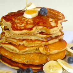 Here's a healthy meal plan for breakfasts for an entire week! Enjoy dishes like these delightful Whole-Grain Banana Blueberry Pancakes.