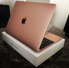 Rose gold #MacBook So pretty! No. 1 purchase when I get back to school in August.