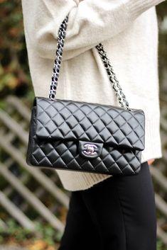 Edited Oversize Pullover Chanel Bag Dress & Travel Herbstlook