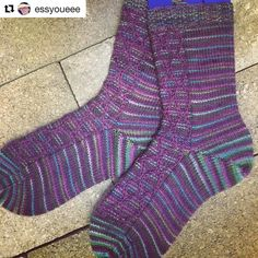 this gorgeous test Knit by @essyoueee of one of my soon-to-be-released designs  #Repost @essyoueee with @repostapp  First FO of 2017... Aster #testknit for @knitalot924  #knittersofinstagram