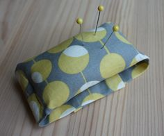 Wrist Pincushion that I have been meaning to make - I hate looking around for my pincushion as I go back and forth from sewing machine to cutting mat to iron board...