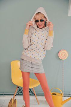 """RAGLAN HOODIE """"DROPS PASTELL"""" BONNIE & BUTTERMILK von Bonnie & Buttermilk auf DaWanda.com #sweatshirt #sweater #pullover #shirt #bonnieandbuttermilk #local #localfashion #fashion #handmade #berlin #hoodie #hoody #kapuzenpullover #drops"""
