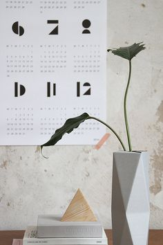 SNUG.TOYBLOCKS calendar 2015 in white // SNUG.VASE high in grey