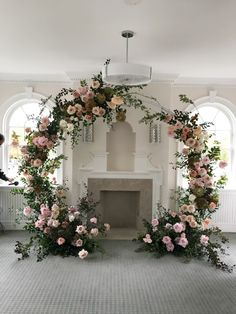 Round shape wedding Arch greenery pink ceremony decor #canada #usa #pink #white #roses #styling #design