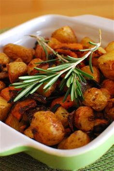 Rosemary Roasted Potatoes, Carrots and Onion | Slimming Eats - Slimming World Recipes