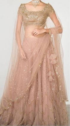 16 Ideas For Indian Bridal Wear Engagement Beautiful Indian Fashion Dresses, Indian Bridal Outfits, Indian Gowns Dresses, Pakistani Bridal Dresses, Dress Indian Style, Indian Designer Outfits, Indian Wedding Dresses, Indian Bridal Wear, Indian Wear