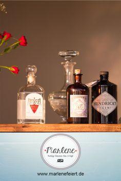 Marlene Vintage Caravan Bar & Cafe Gin Caravan Bar, Vintage Garden Parties, Pop Up Bar, Vintage Cat, Mobiles, Gin, Whiskey Bottle, Catering, Toast