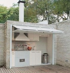 Imagine this outdoor kitchen in your urban backyard! #kitchen