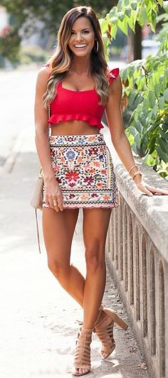 #fall #outfits women's red scoop-neck sleeveless crop top