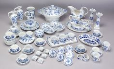 Blue Onion Dishes Pattern History | 229: 65 Pcs. Meissen porcelain Blue Onion pattern table