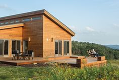 Prefab home of grandson of Frank Llloyd Wright with outdoor deck
