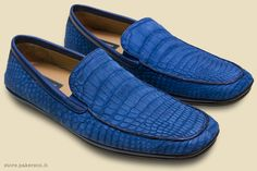 There's a good reason why people are shopping for Pakerson Alligator moccasins: they're incredibly stylish and now at reduced price! -   C'è un'ottima ragione se i mocassini in Alligatore sono tanto amati: sono pieni di stile e in promozione speciale!