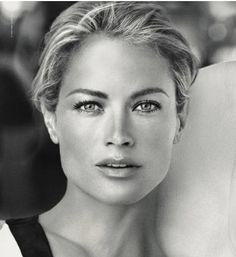 Carolyn Murphy (born August 11, 1974) is an American model and actress.