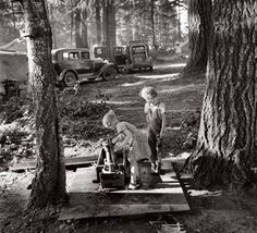 August 1939. Marion County, Oregon, near West Stayton. Children in large private bean pickers' camp. The pickers came from many states, from Oklahoma to North Dakota