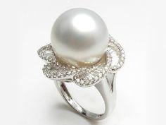 Thera South Sea Pearl and Diamond Ring [SR595987U]