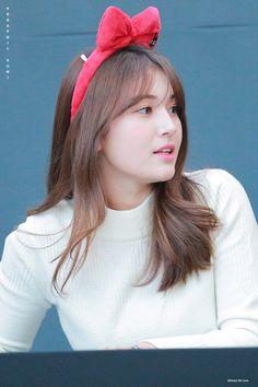 Jeon Somi ( 전소미 ) Best Photos Collection - The K-Pop Chart South Korean Girls, Korean Girl Groups, K Pop Chart, Pop Photos, Jeon Somi, Seolhyun, Ioi, Looking Forward To Seeing, Kpop Aesthetic