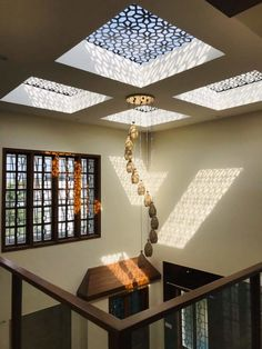 Mr nataraja residential living room by geometrixs architects & engineers is part of - Here you will find photos of interior design ideas Get inspired! Indian Home Design, Indian Home Interior, Indian Home Decor, Skylight Design, Ceiling Design, Home Room Design, Room Interior Design, Interior Stairs, Interior Garden