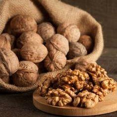 Spiced Walnuts Recipe, Spicy Walnuts, Walnut Kernels, Organic Snacks, Walnut Recipes, Stuffed Shells, Brain Food, Natural Flavors
