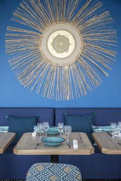 Hôtel Les Bulles de Mer (Saint-Cyprien) - annabellefesquet-decoratrice Hotel Boheme, Saint, Ceiling Lights, Lighting, Home Decor, Sweet Life, Bubbles, Center Table, Decoration Home