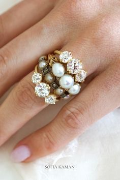 Pearls and diamonds, pearls and diamonds, pearls and diamonds... 🤩💎 Rings handcrafted in Los Angeles by Sofia Kaman Fine Jewels, using ethically sourced stones and recycled gold.