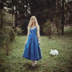 nhiếp ảnh gia người Ukraine này mang đến những câu chuyện cuộc sống với chân dung huyền diệu của phụ nữ với động vật 13