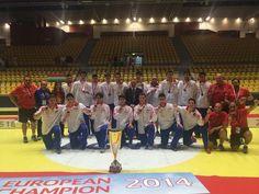 ¡Felicidades a los #HispanosJuveniles por su bronce europeo! Otro nuevo éxito para nuestro #balonmano base. Foto: Paco Blázquez