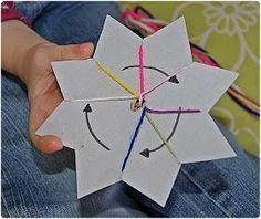 In einem Forum zeigte vor einiger Zeit jemand, wie auch Kleinkinder Freundschaftsbändchen locker selbst machen können. Vor kurzem ha...