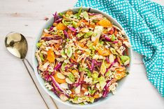 Chinese Chicken Mandarin Salad is part of pizza - This homemade Chinese chicken salad from Delish com is even better than the restaurants Chicken Salad Recipes, Healthy Salad Recipes, Seafood Recipes, Dinner Recipes, Cooking Recipes, Diabetic Salads, Chicken Salads, Cooked Chicken, Dinner Ideas