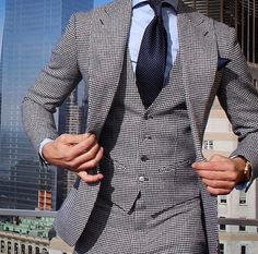Men's Fashion I like! Best Suits For Men, Cool Suits, Der Gentleman, Gentleman Style, Suit Up, Suit And Tie, Dapper Suits, Suit Combinations, Gentlemen Wear
