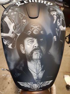 Custom Motorcycle Paint Jobs, Rock Tattoo, Pinstriping Designs, Custom Tanks, Bobber Bikes, Motorcycle Tank, Air Brush Painting, Airbrush Art, Bike Art