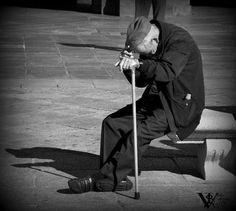 Lassituaciones de soledad no deseada en España, especialmente entre las personas mayores, es un fenómeno que va a más, tal y como reflejan lascifras del Instituto Nacional de Estadística (INE) en su 'Encuesta Continua de Hogares 2016'. Los datos del INErevelanque el colectivo entre el que más se incrementa la soledad no deseada es el …