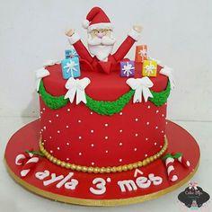 #mulpix E mais um mesario natalino saindo dao nosso atelier ♡ para comemorar o 3° mês. de vida da pequena Ayla ♡  ho.ho.ho   #cakedesign  #cakedecorating  #cake  #bolosdecorados   #bolo  #cakebiju  #nakedcake  #natal  #bolonatalino  #christmasday   #christmascake   #santaclaus   #chocolate  #mesario  #segue  #encontrandoideias  #nakedcake  #bolopelado  #brigadeirogourmet   #beijinho  #brigadeiro  #ideiasdenatal  #docesdenatal  #docesnatalinos  #festadenatal