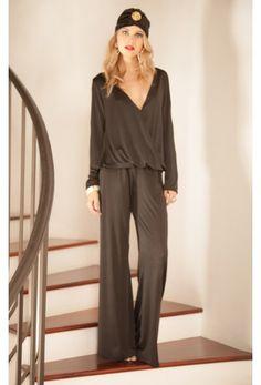 Shop Ana Top in Black Venezia. #RamonaLaRue #Boutique #Miami #BohemianStyle #ShopMiami #Designer #MadeInMiami #Clothing #Womenswear #Clothing #Top #BlackVenezia #Fashion