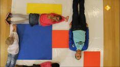 Thema: Kunst. Met rood, geel en blauw kun je veel andere kleuren maken, maar hoe werkt dat precies? Raaf gaat lekker kliederen en mengen met verf terwijl Fahd van alles leert over de betekenis van kleuren.