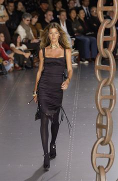 Gisele Bundchen // Dolce & Gabbana, Spring 2003