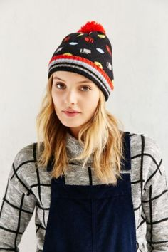 Snug knit with intarsia design + ribbed foldover brim. Snug, Urban Outfitters, Winter Hats, Wool, Knitting, Pattern, Cotton, Beanies, Design
