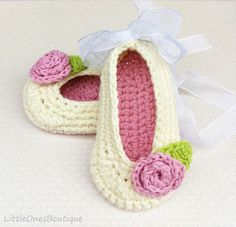 'Shaianne' Crochet Baby Booties Ivory Baby Shoes by BoutiqueLittleOnes