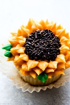 Sunflower Cupcakes   Video | Sally's Baking Addiction...