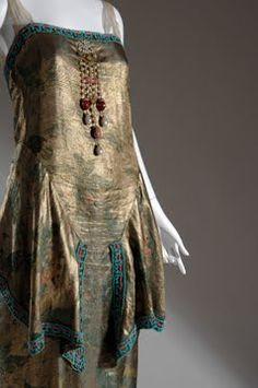 Evening gown, front detail. Callot Soeurs, 1921.