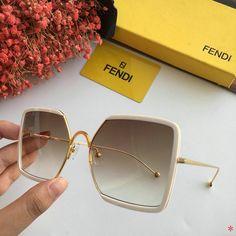 Wholesale AAA Fashion Fendi Replica Sunglasses for Sale Glasses Outfit, Fashion Eye Glasses, Cute Glasses, Trending Sunglasses, Sunglasses Sale, Sunglasses Women, Cl Shoes, Louis Vuitton, Sheepskin Boots