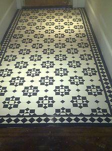 victorian tiled black and white Victorian Hallway Tiles, Tiled Hallway, Victorian Bathroom, Entryway Tile Floor, Foyer, Victorian Flooring, Modern Hallway, Victorian Porch, Victorian Townhouse