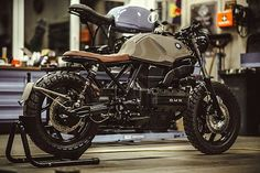 'Sir Ulrich' BMW – NCT Motorcycles Ah, the K-series BMWs. Bmw Cafe Racer, Cafe Racer Build, Cafe Racer Motorcycle, Cafe Racers, Bike Bmw, Bmw Motorcycles, Custom Motorcycles, Custom Bikes, K100 Bmw