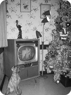 Retro recipes found in vintage ads. Vintage Christmas Photos, Retro Christmas, Vintage Holiday, Holiday Images, Antique Christmas, Modern Christmas, Christmas Pictures, Christmas Past, All Things Christmas