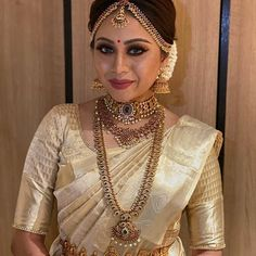 22 Guttapusalu Haram Designs That You Would Like To Grab on Sight! South Indian Wedding Hairstyles, Bridal Hairstyle Indian Wedding, Indian Bridal Outfits, Indian Bridal Fashion, Indian Hairstyles, South Indian Wedding Saree, South Indian Bridal Jewellery, Indian Bridal Sarees, Tamil Wedding
