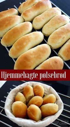 Hjemmebagte, lækre og nemme pølsebrød til hotdog Danish Dessert, Danish Food, Burger Bar, Diy Snacks, Fish Dinner, Food Humor, Fabulous Foods, Different Recipes, Diy Food