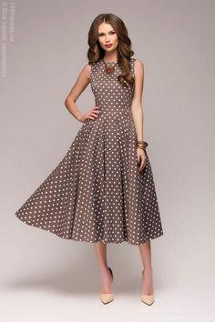 фото Бежевое платье в горошек в стиле ретро
