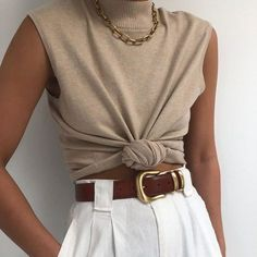 Spring Fashion Tips .Spring Fashion Tips Fashion Mode, 70s Fashion, Fashion Week, Fashion 2020, Korean Fashion, Fashion Outfits, French Fashion, Fashion Ideas, Vintage Fashion