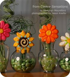 decorated cookie flowers in vases